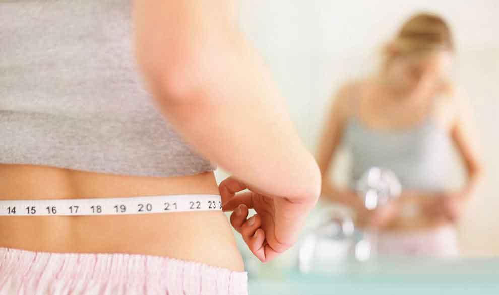 Figura 5. Medida de la cintura abdominal.